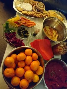 FIC聖誕派對當中的美食,包括農場捐出的紅菜頭和柑